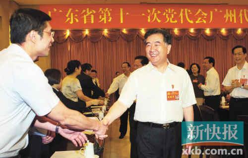 昨日,汪洋、张广宁、林木声亲切看望广州代表团代表。记者 宁彪/摄