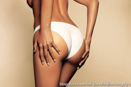 会阴与肛门相距约三厘米