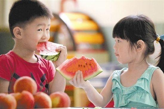 在南京吃西瓜啃秋的习俗在古时就有了.图片
