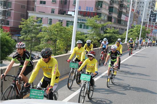 万里骑行团宣传环保 点赞国家森林城市惠州