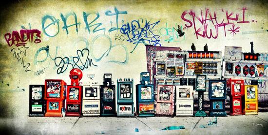 创意街头摄影:略带颓废的童话世界