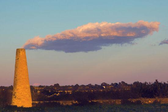 与云作伴的错位照片