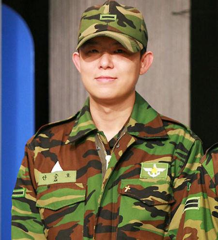 韩国男星服役军营生活照——前h.o.t成员tony