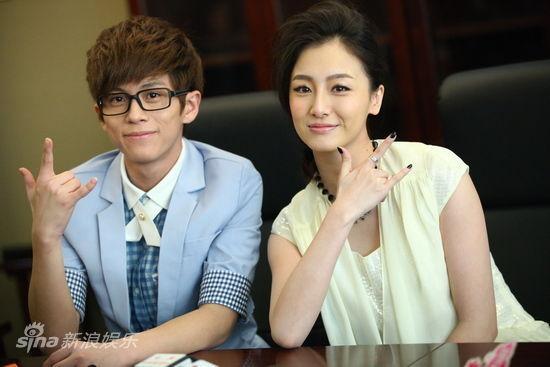 图文:《爱在那一天》首映-武艺叶青合影
