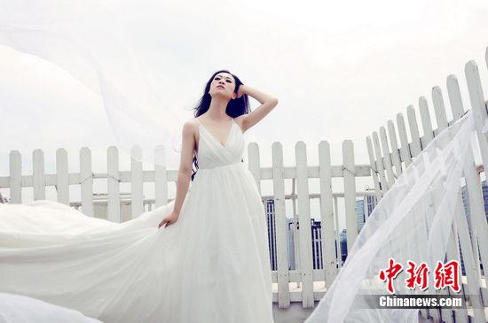 芙蓉姐姐婚纱照