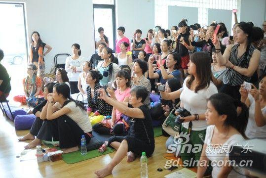 中国艾扬格瑜伽学院举办公益教学活动现场