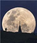 超级月亮升起
