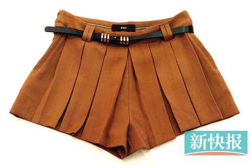 女棕色裤子搭配
